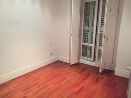 Piso en alquiler en calle Fernando El Santo, Almagro en Madrid - 407274369