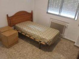 Wohnung in miete in calle Rafael Finat a, Aluche in Madrid - 335901503