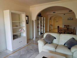 Salon - Apartamento en alquiler en Milla de Oro en Marbella - 283238578