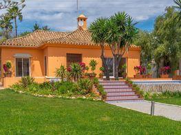 Villa en venta en Nueva Andalucía-Centro en Marbella