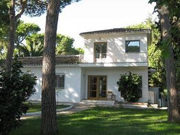 House for sale in Lomas de Marbella Club-Puente Romano in Marbella - 286331521