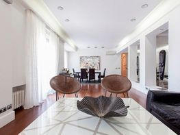 Flat for rent in Castellana in Madrid - 358721609