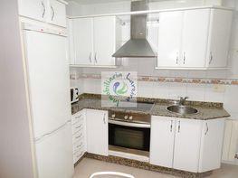 Piso en alquiler en calle Jenaro de la Fuente, Calvario-Santa Rita-Casablanca en Vigo - 413780802