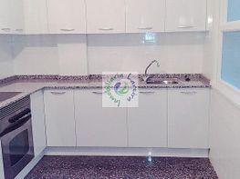 Piso en alquiler en calle Conde de Torrecedeira, O Berbés-Peniche-Peritos en Vigo - 415406827