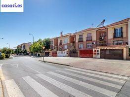 Casa en venta en calle Carmen de Burgos, Genil en Granada