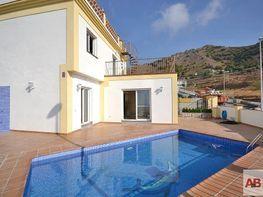 Villa for sale in Nerja - 325430945