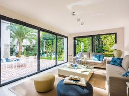 Villa en venta en calle Del Prado, Nueva andalucia - 377114258
