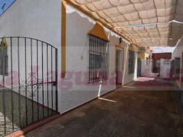 Casa adosada en venta en Chipiona