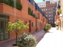 Casa adosada en venta en calle Doctor Layna Serrano, Barrio de la Constitucion en Guadalajara - 298589030