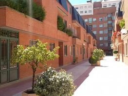 Reihenhaus in verkauf in calle Doctor Layna Serrano, Barrio de la Constitucion in Guadalajara - 298589030