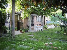 Casa adosada en venta en calle Monfrague, Getafe - 303912053