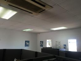 Fabrikationshalle in verkauf in calle Arraona, Barbera del Vallès - 318900198