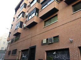 Fabrikationshalle in verkauf in calle Sauco, Berruguete in Madrid - 319365867