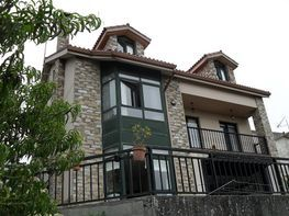 Casa en venta en calle Rosalia de Castro, Oleiros - 359308325
