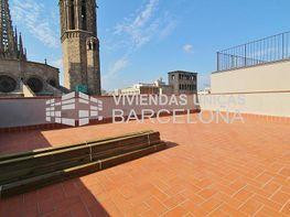 Dernier étage de vente à El Gótic à Barcelona - 323087865