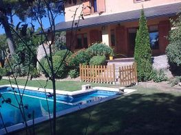 Chalet en venta en calle Maresme Urb Castellà Da;Indies, Sant Cebrià de Vallalta - 326314228
