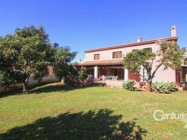 Casa en venta en calle Algarrobo, Milla de Oro en Marbella