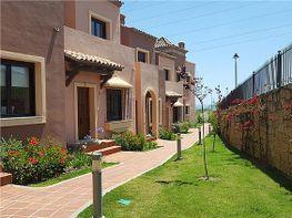 Casa adosada en venta en Estepona - 327673530