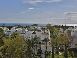 Apartamento en venta en calle Milla de Oro, Nagüeles Alto en Marbella - 328085859