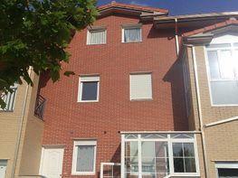 Casa adosada en venta en calle Marcos Viñals, Barriada Yagüe en Burgos