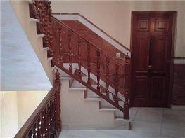 Escalera y entrada a la vivienda - Piso en venta en Lepe - 331627247