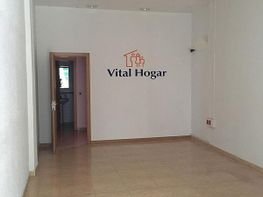 Locale commerciale en affitto en calle Regne de Valencia, Montolivet en Valencia - 332159980