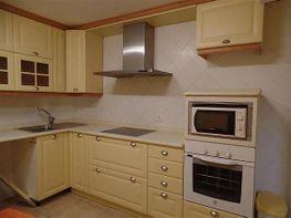 Cocina amueblada y con despensa - Apartamento en venta en Calahorra - 333649488