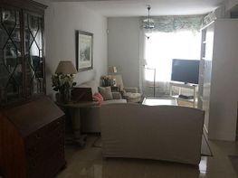 Casa adosada en venta en calle Clara Campoamor, Palomares del Río - 359326056