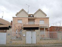 Chalet en venta en calle El Greco Urb Las Dibujas, Benavente