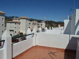 Casa adosada en venta en calle De Los Molinos, Estepona - 358512091