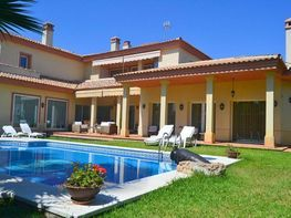 Casa en venta en Gelves - 358711342