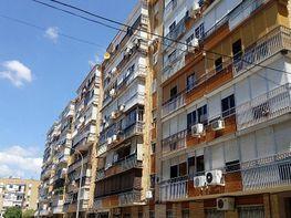 Piso en venta en calle Abogado Rafael Medina, El Torrejón - El Cerezo en Sevilla