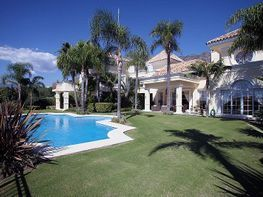 Villa en vendita en Nagüeles Alto en Marbella - 366547981