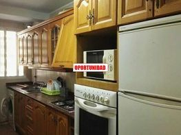 Flat for rent in calle Doctor Peset Aleixandre, Marxalenes in Valencia - 414079772