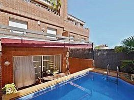 Casa adosada en venta en calle Dels Avellaners, Alella - 354466199