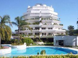 Piso en alquiler en Playa de la Fontanilla en Marbella - 383851887