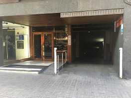 Parkplatz in miete in calle Comye Da;Urgell, Eixample esquerra in Barcelona - 385031246