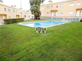Casa adosada en venta en Eixample en Cubelles - 406143378