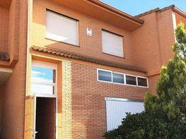 Casa adosada en venta en calle De Los Fresnos, Móstoles