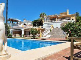 Villa en venta en Torrequebrada en Benalmádena
