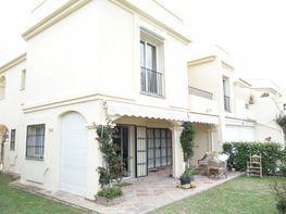 Casa adosada en venta en Benahavís