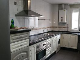 Apartamento en alquiler en calle Av Barcelona Viñuela Rescatado, Levante en Córd