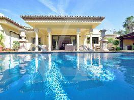 Casa en venta en El Padrón - El Velerín - Voladilla en Estepona