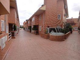 Fachada - Chalet en venta en calle Rafael Albertí, Ensanche en Alcalá de Henares - 162527746