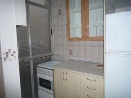 Cocina - Piso en alquiler en calle Ramon y Cajal, Centro en Parla - 401268249