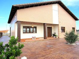 Haus in verkauf in Aldeamayor de San Martín - 334257325
