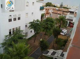 Foto - Piso en venta en calle Huerta del Rosario, Chiclana de la Frontera - 388240502