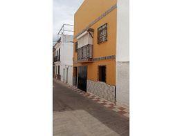 Casa adosada en venta en Alcalá del Río