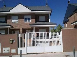 Foto - Casa pareada en venta en calle Begonia, Moraleja de Enmedio - 209972316