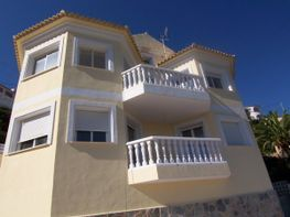 Chalet for sale in urbanización Maryvilla, Calpe/Calp - 13588486